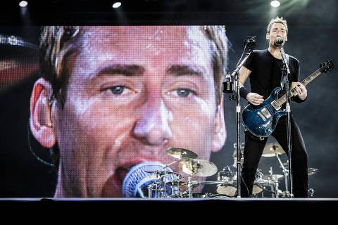 RIO DE JANEIRO - RJ - BRASIL, 20-09-2013, 23h20: ROCK in RIO. A banda americana Nickelback se apresenta no palco Mundo durante o 5o dia do Rock in Rio, festival realizado na Cidade do Rock, em Jacarepagua, zona oeste do Rio de Janeiro.  (Foto: Adriano Vizoni/Folhapress, ILUSTRADA) ***EXCLUSIVO FSP***