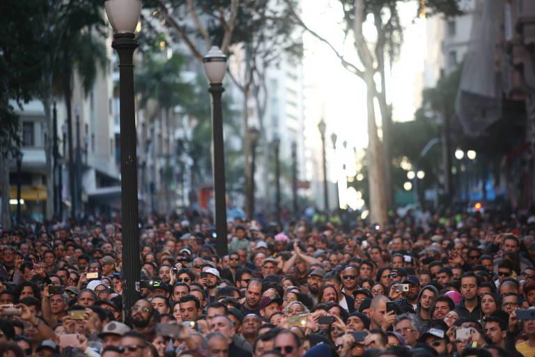 Público durante show da Virada Cultural de 2018, no centro de São Paulo