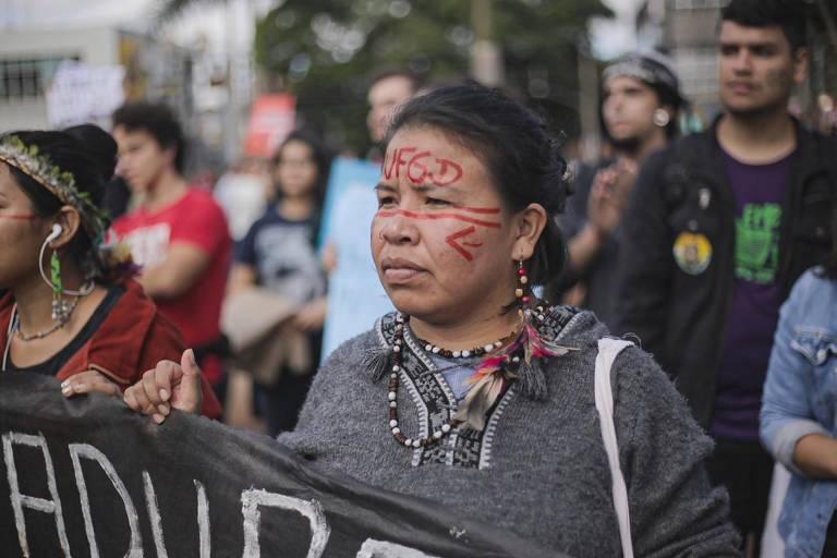 Protestos pela educação ocorrem em mais de cem cidades