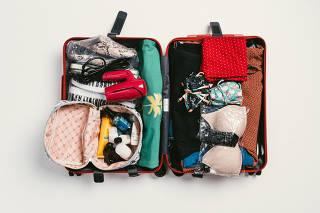 Como montar uma bagagem de mão feminina de 4 dias com a organizadora pessoal Juliana Faria