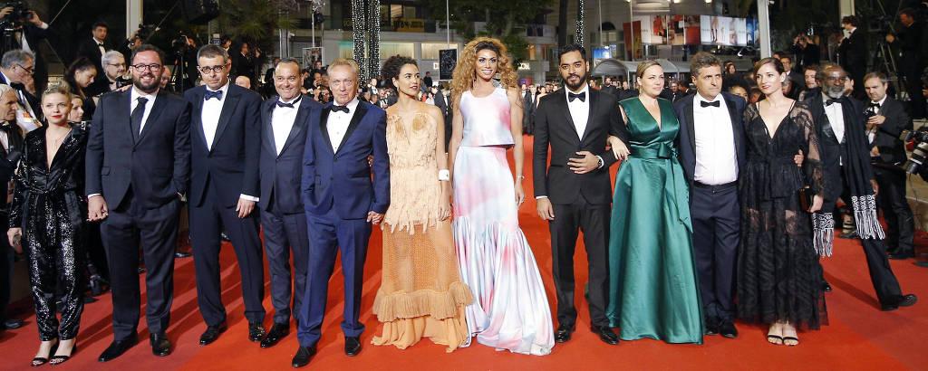 Equipe do filme brasileiro 'Bacurau', apresentado em Cannes