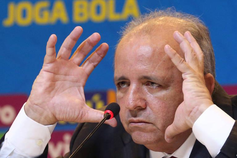 Vadão anuncia a equipe brasileira que vai disputar a Copa do Mundo de futebol feminino na França