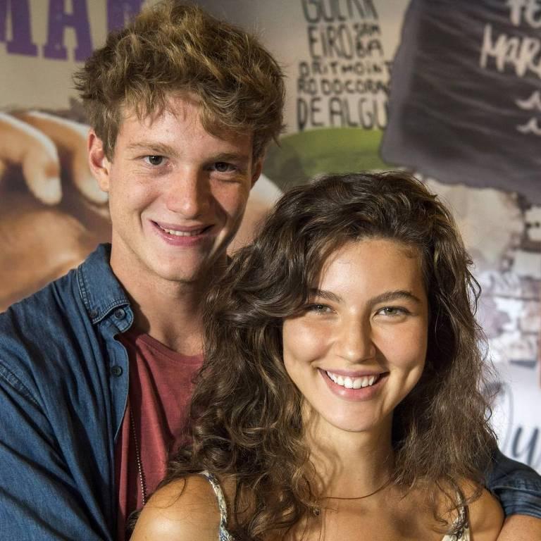 Filipe (Pedro Novaes) e Rita (Alanis Guillen) se beijam em 'Malhação - Toda Forma de Amar'