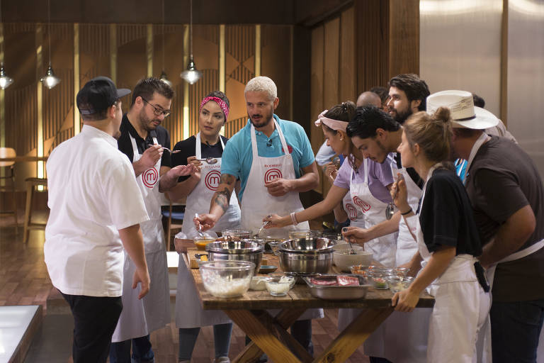 Episódio 7 (05/05): Cozinheiros provam o poke.
