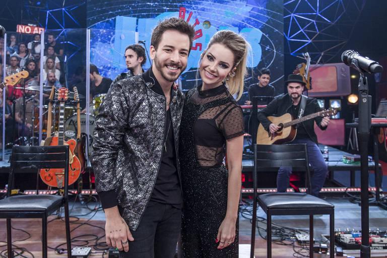 Especial Sandy & Júnior: dupla faz show exclusivo no palco do programa Altas Horas