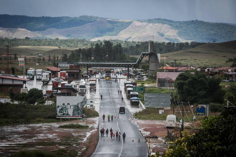 Cidade brasileira Pacaraima que fica localizada entre a fronteira do Brasil com Venezuela