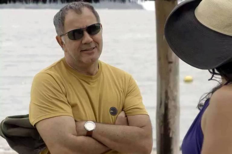 Herculano em cena de Verão 90 - ator Humberto Martins