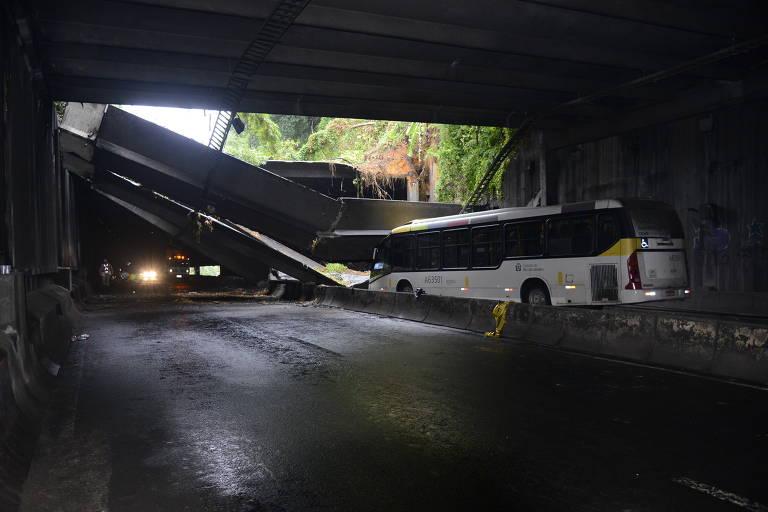 Estrutura do Túnel Acústico Rafael Mascarenhas, que cedeu com a chuva no Rio de Janeiro