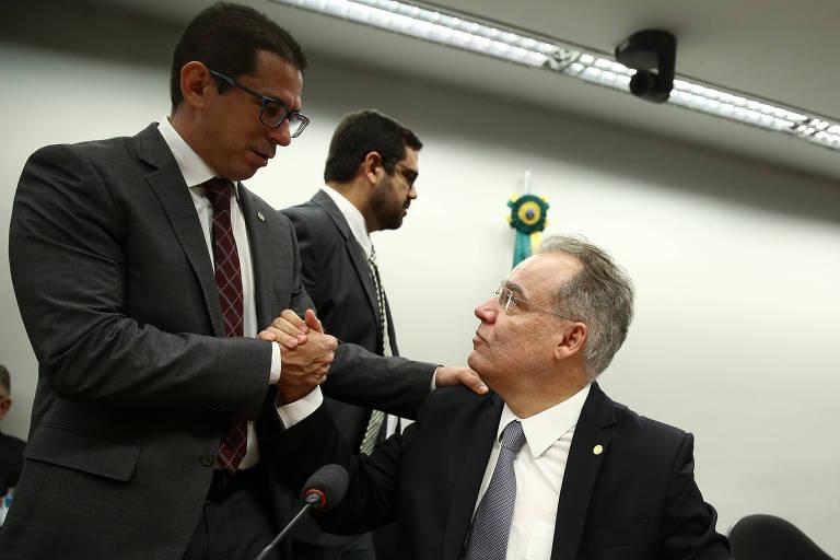 Presidente da comissão, (à esq.) deputado Marcelo Ramos(PR-AM) e o relator da reforma deputado Samuel Moreira (PSDB-SP)