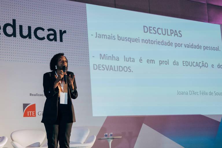 Pesquisadora Joana D'Arc Félix de Sousa dá palestra na feira Bett Educar, em São Paulo