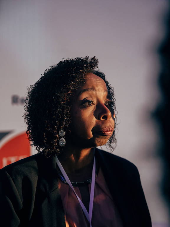 A pesquisadora Joana Félix dá entrevista após palestra na feira Bett Educar