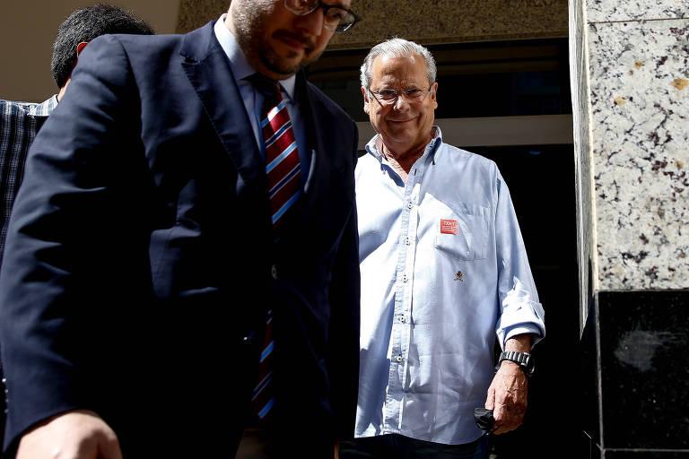 Ex-ministro José Dirceu se entrega à PF para cumprir nova pena na Lava Jato