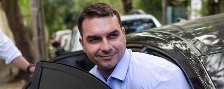 Flávio Bolsonaro lucrou R$ 813 mil com transação relâmpago de imóveis