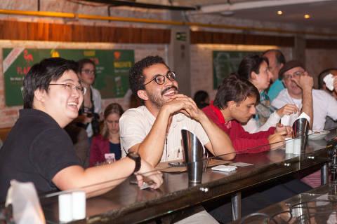 Pint of Science, evento no qual a ciência vira assunto na mesa de bar
