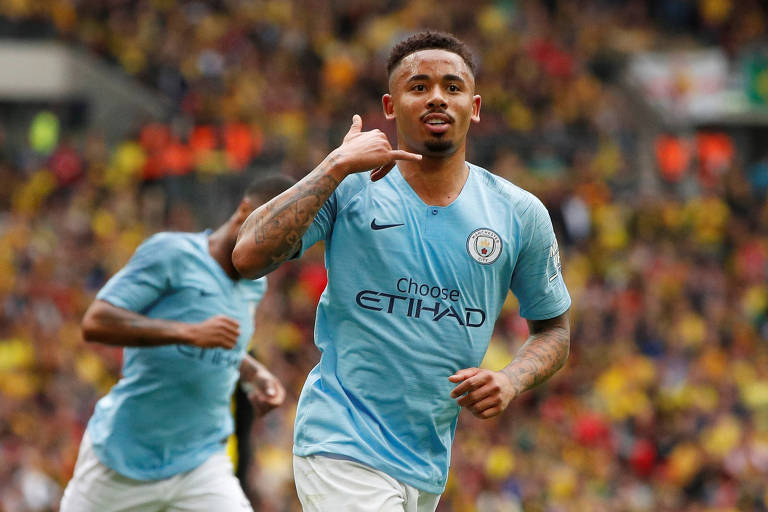 Gabriel Jesus marcou dois gols na goleada de 6 a 0 do Manchester City