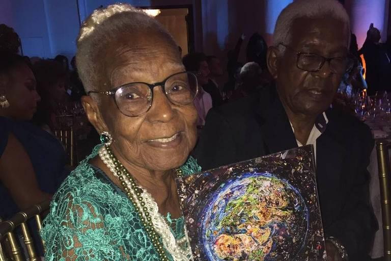 Tia Maria, do Jongo da Serrinha, recebe Prêmio Sim à Igualdade Racial, no Copacabana Palace
