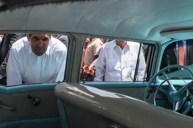 John Kerry em visita a Cuba, em agosto de 2015