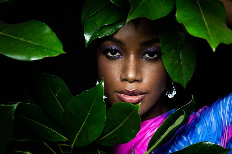 Retrato da cantora Iza