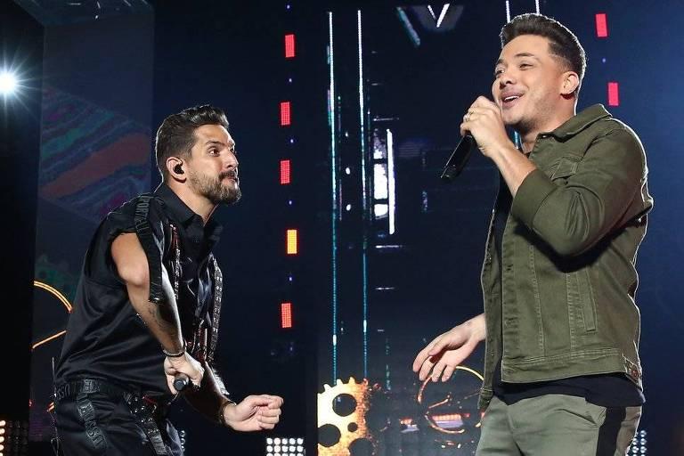 Felipe Pezzoni e Wesley Safadão no show Banda Eva 40 anos