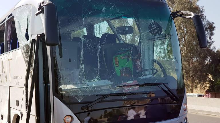 Explosão em ônibus no Egito