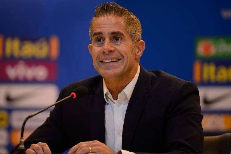 Após recusas de Renato Gaúcho e Aguirre, Corinthians anuncia Sylvinho para técnico