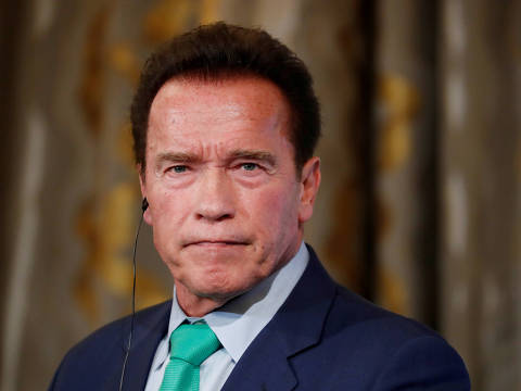 FILE PHOTO: R20 Founder and former California state governor Arnold Schwarzenegger attends a news conference ahead of the One Planet Summit in Paris, France, December 11, 2017. REUTERS/Gonzalo Fuentes/File Photo ORG XMIT: FW1