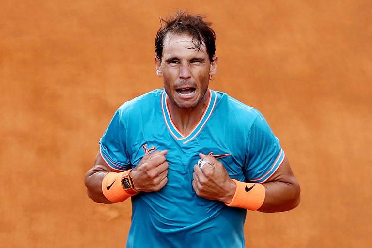 Rafael Nadal comemora vitória no Masters 1.000 de Roma, contra Djokovic