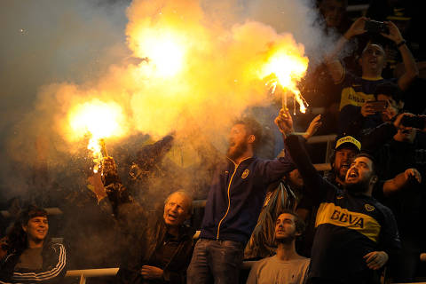 Soccer - Copa Libertadores - Group Stage - Group G - Boca Juniors v Athletico Paranaense - Alberto J. Armando Stadium, Buenos Aires, Argentina - May 9, 2019    Boca Juniors fans during the match    REUTERS/Javier Garcia Toledo  NO RESALES. NO ARCHIVES       TPX IMAGES OF THE DAY ORG XMIT: AIMEX