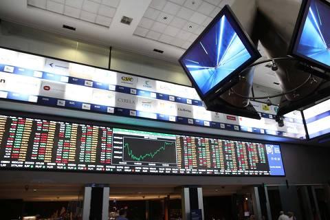 Após atingir mínima do ano, Bolsa sobe mais de 2% com recompra de investidores