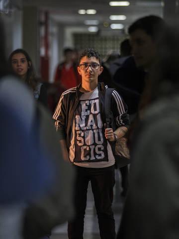 ESPECIAL COTIDIANO - SP -   Um microgrupo de universidades federais criou cotas para ampliar o acesso de estudantes trans. Em Sao Paulo, a Federal do ABC e a unica instituiao que aderiu. A primeira leva de estudantes trans vai entrar em sala no dia 3 de junho. Na foto, o jovem Filipi. Foto Marlene Bergamo/Folhapress. 017 -  SELENE 571499