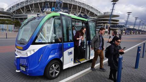 Micro-ônibus autônomo em teste em Sydney, Austrália