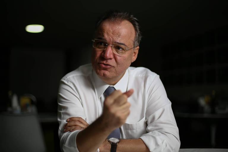 Deputado Samuel Moreira (PSDB-SP) durante entrevista à Folha