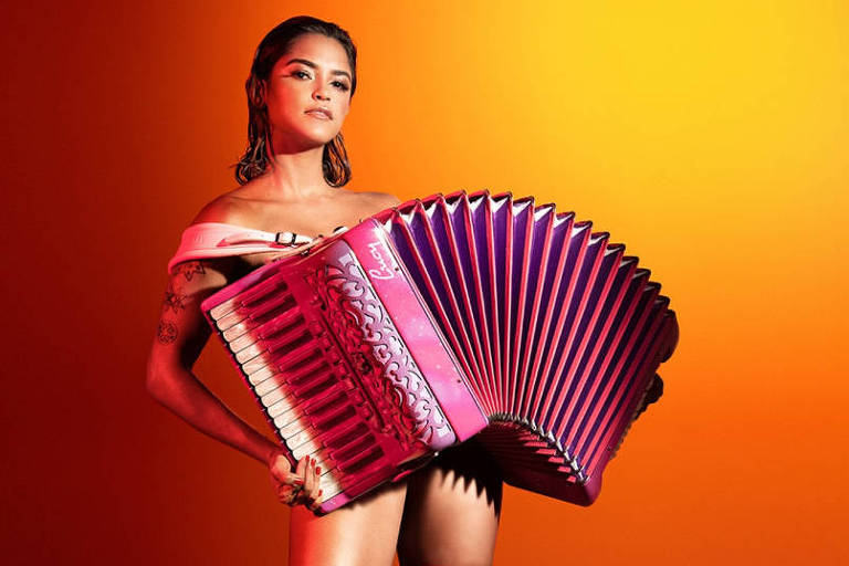 A  cantora Lucy Alves