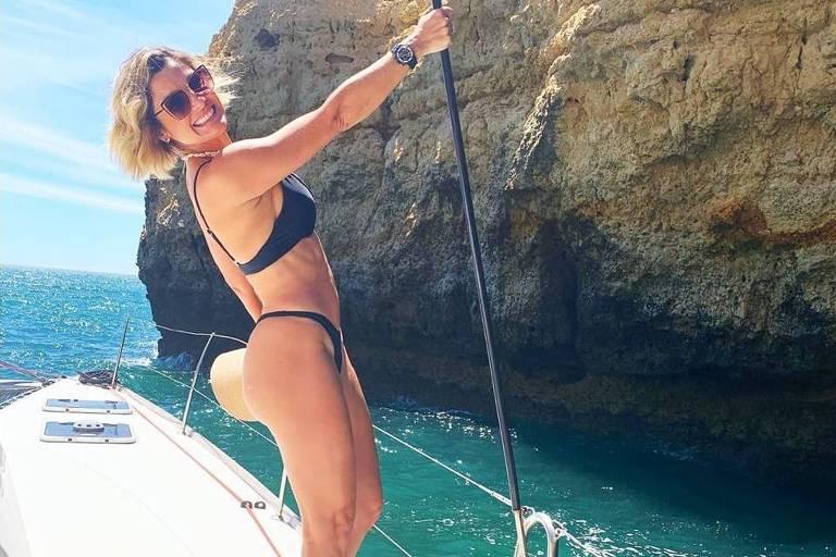 Flávia Alessandra, atriz em boa forma, em férias em Portugal