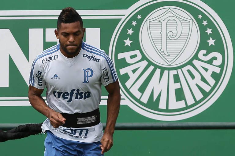 Borja durante treino do Palmeiras na Academia de Futebol