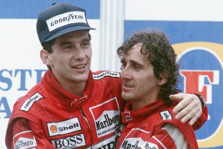 Na Austrália, uma corrida após o título no Japão, Senna abraça Alan Prost, seu colega de McLaren e grande rival durante sua carreira na F-1