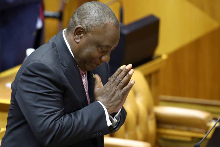 Cyril Ramaphosa agradece o Parlamento após ser reeleito presidente da África do Sul