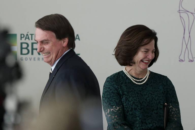 O presidente Jair Bolsonaro (PSL) e a procuradora-geral da República, Raquel Dodge, durante cerimônia em comemoração ao Dia das Mulheres, no Palácio do Planalto