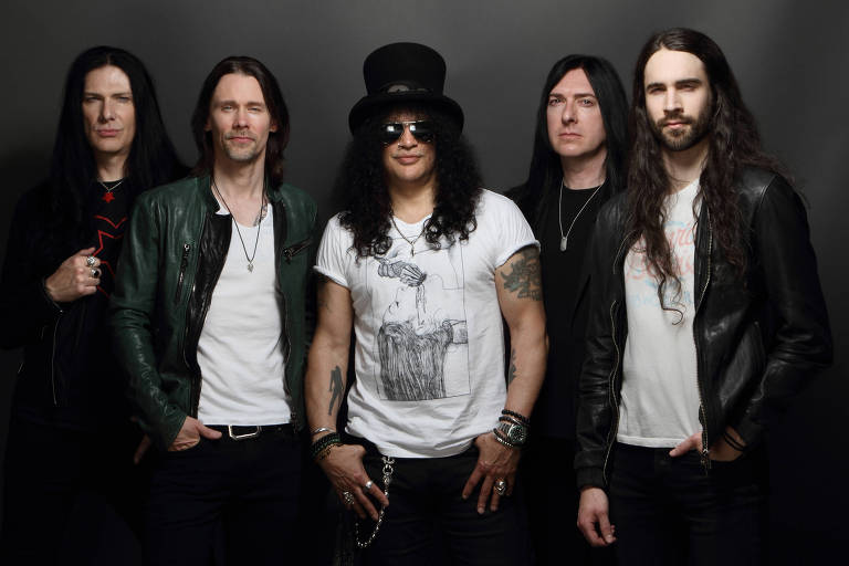 Slash ft Myles Kenndy & The Conspirators