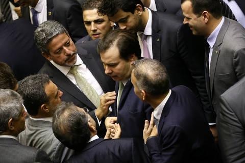 Votação que aplicou derrota a Moro abre crise no centrão