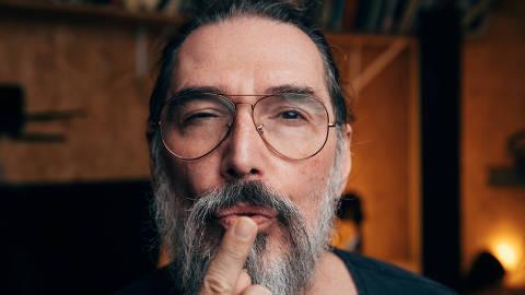São Paulo, SP, Brasil, 20-05-2019: Lobão, 61, em seu estúdio caseiro. João Luiz Woerdenbag Filho. (foto Gabriel Cabral/Folhapress)