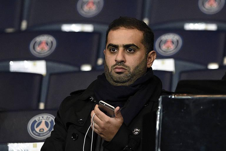 Yousef al-Obaidly, presidente da BeIN Sports, em jogo do Paris Saint-Germain na Champions League