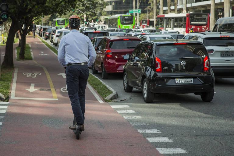 A regulamentação criada para as patinetes em São Paulo é adequada? NÃO