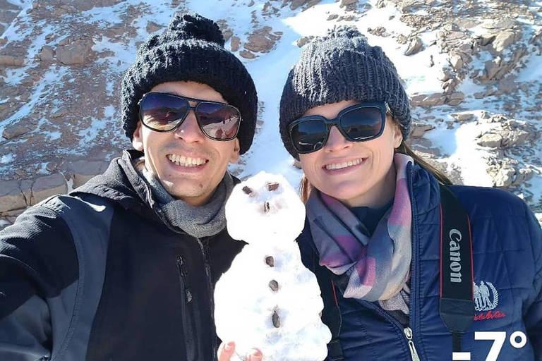 O casal Adriane Padilha Kruger e Jonathas Muniz durante a viagem, em foto postada na terça-feira (21) nas redes sociais