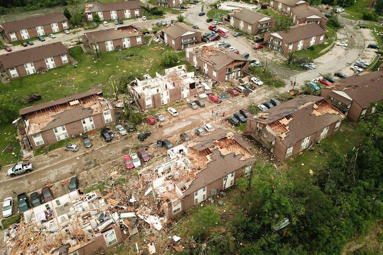 Tornados espalham morte e destruição nos EUA
