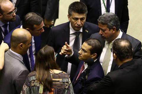 Votação expõe racha na articulação de Bolsonaro e risco para futuro de MP
