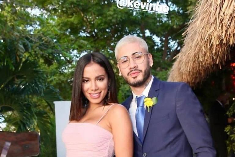 Anitta e Kevinho estiveram presentes no casamento do Carlinhos Maia