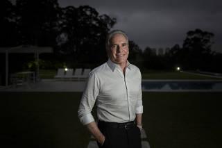 Retrato de Roberto Justus, apresentador do programa