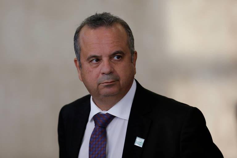 Na foto, o secretário especial de Previdência e Trabalho, Rogério Marinho, aparece dos ombros para cima, olhando para o lado com semblante sério
