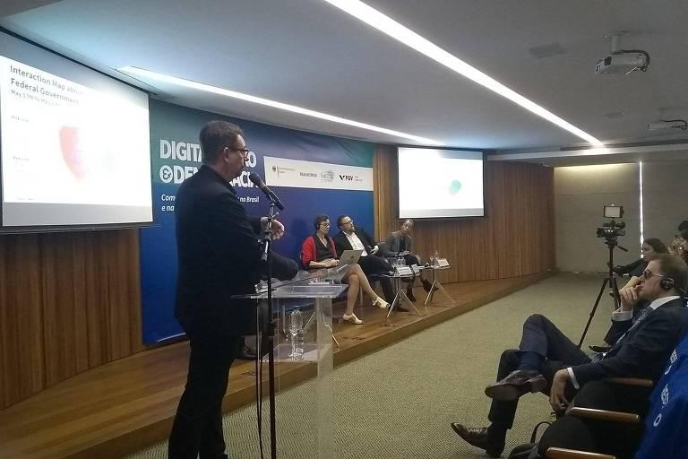 """Seminário """"Digitalização e democracia: como fortalecer a democracia no Brasil e na Europa para a era digital?"""", evento realizado pela FGV em parceria com a Folha no Rio de Janeiro"""